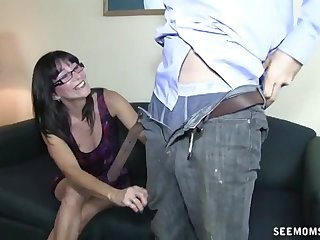 Mature with gasses drops on her knees down make him ejaculate