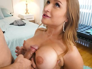 Knocker gender plus erotic blowjob with bodacious Skylar Snow