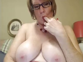 I love this four eyed granny and I love her weighty saggy milkers