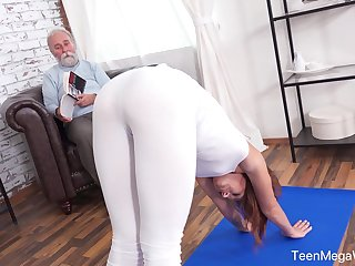 An old man with a irregular mind fucks his put up stepdaughter