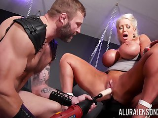 Rough BDSM pussy plus anal be advantageous to a big ass cougar on energizing