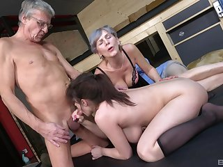 ancient beggar goes nasty superior to before his busty niece's cunt along with his ancient wife