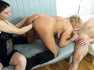 mom fist fucked off out of one's mind stepsiblings