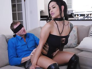 MILF with pierced clit, plumb loco couch surprise be worthwhile for the lucky hubby