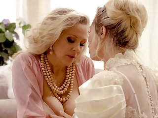 Hot mature is keen for one more crazy lesbian adventure