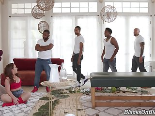 Unskilled wife blacked in her first ever gangbang while hubby is at work