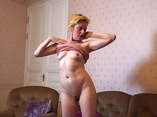 Amateur of age wife Barbara drops say no to clothes to masturbate