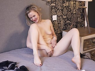 Exciting solo MILF having fun while her hubby isn't home - Midge