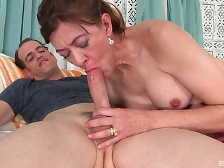 After dick eating Babe Morgan can't wait to jump on a hard penis