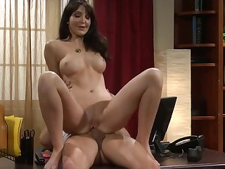 Gorgeous Stepmother Gets Surprise Ejaculate From Young gentleman