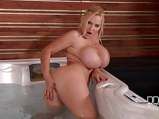 Busty Dolly Fox Lascivious Mommy Solo Session
