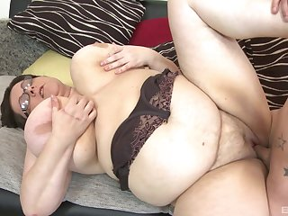 BBW Paula enjoys rough sex with her horny boyfriend check over c pass a blowjob