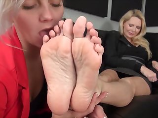 TaWorship Lesbian MILF Foot Idolize