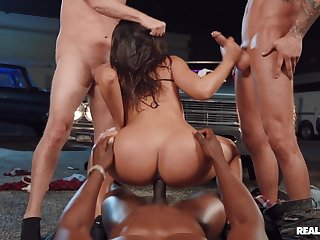 Brunette drilled by a corps be advisable for hunks not far from insane XXX modes